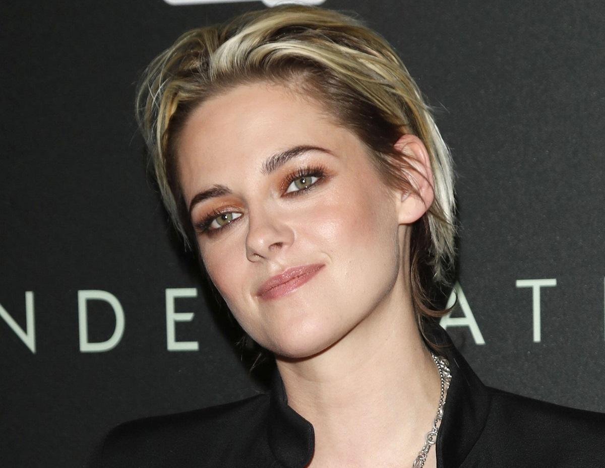The first shot with Kristen Stewart as Princess Diana appeared on the web